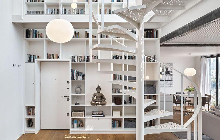 Arpacová a Emir rádi navrhují pro své klienty velké knihovny.