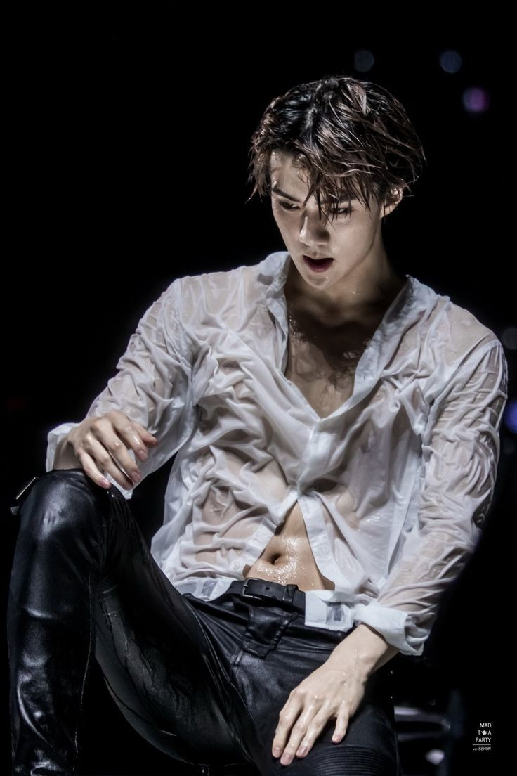 "MAD TEA PARTY on Twitter: ""160110 EXO'LUXION in SINGAPORE  #세훈 #SEHUN https://t.co/DrXme4exN3 https://t.co/fKMO7A4Ivg"""