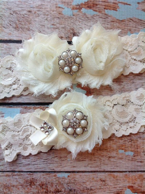 IVORY Wedding Garter Set Bridal Lace Toss Included Vintage Inspired