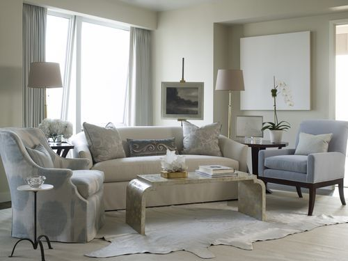 Living room with a calming color palette Get the look with Dunn Edwards Cold