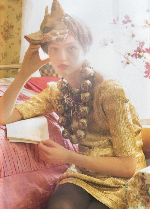sasha pivovarova / tim walker: Gold Dresses, Vogue Uk, Tim Walker, Sasha Pivovarova, Necklaces, White Night, Fashion Women, Vintage Style, Foxes Masks