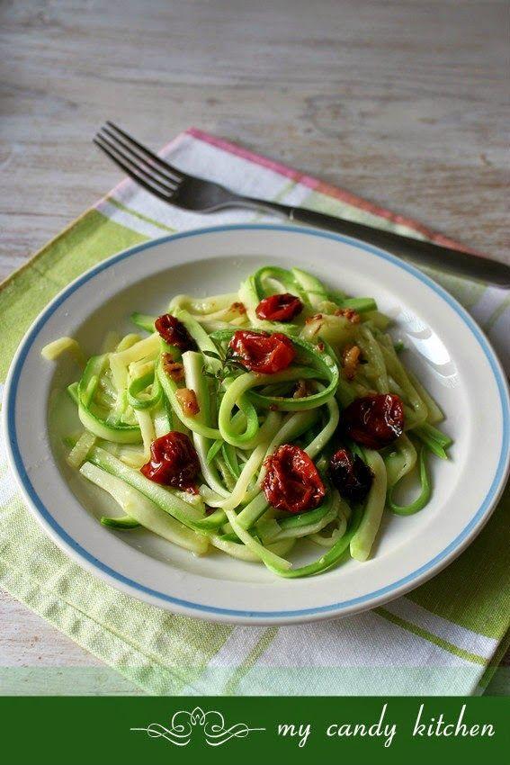 my candy kitchen: Коледен пост ден 31: Спагети от тиквички със сушен...