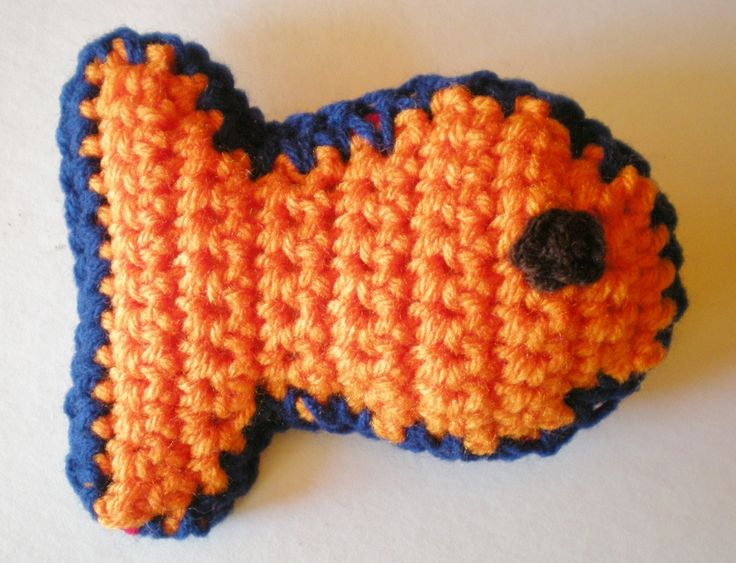 Fill this cute fishy cat toy with cat nip or just use a little stuffing. Quick and easy to make, it's a great way to use up any extra scrap yarn. Plus, cat toys are great beginner projects because...