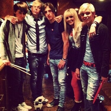 R5 is one of my fav bands