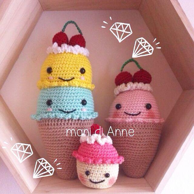 Crochet amigurumi cupcake and babyrattles icecream/ gehaakte baby rammelaars en cupcake Annemarie Evers / mani di Anne