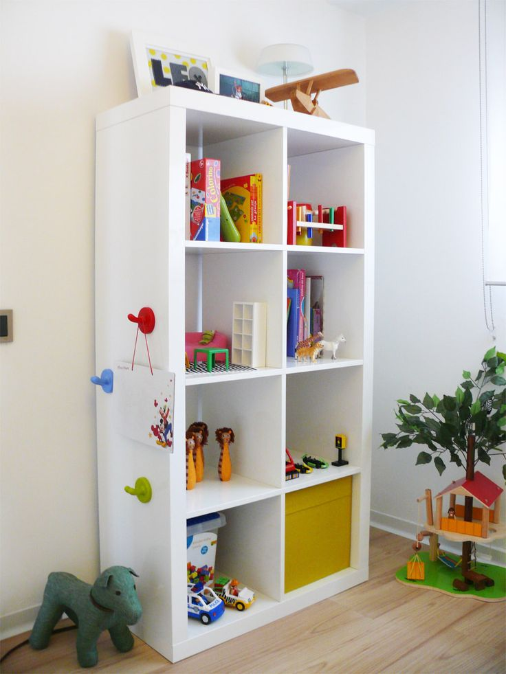 Dormitorios infantiles ideas para decorarlas estanteria - Ideas para estanterias ...