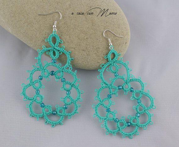 Orecchini in pizzo chiacchierino, lace tatting earrings, orecchini pendenti, bijoux, per lei, idea regalo, azzurro, handmade, made in Italy