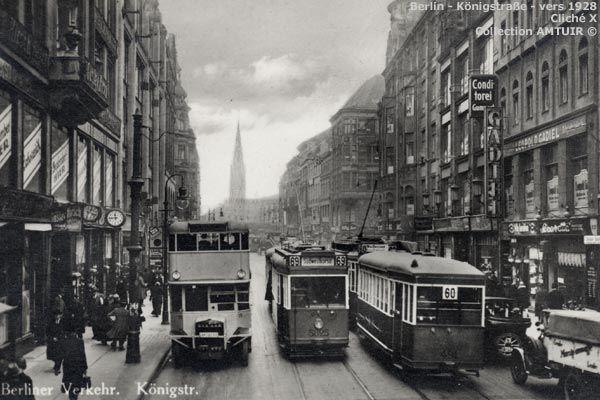 Berlin 1928 Omnibus und Strassenbahnen in der Koenigstrasse