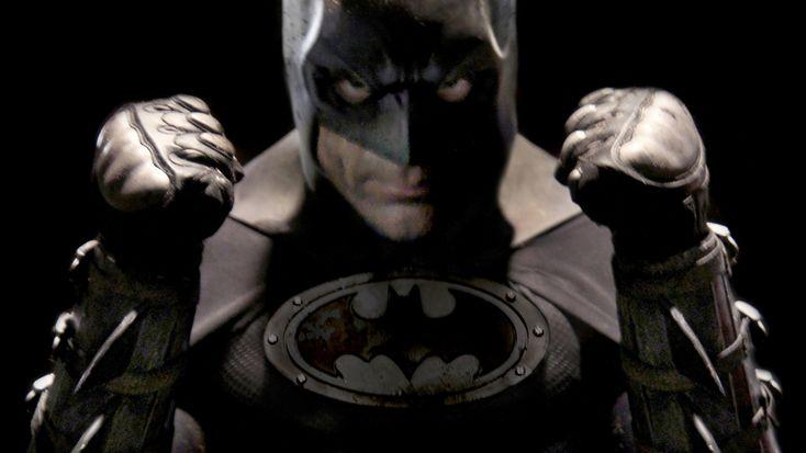 "Fan-film BATMAN vs KILLER CROC and POISON IVY. Por ""Bat in the Sun"".  #Batman #DC #BatInTheSun"