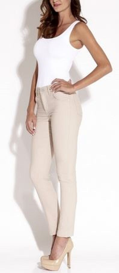 Love this look! Sexy AND Comfy Khaki Stretch Twill Jeans! Honeymoon getaway... super cute! Only wish I was this skinny..