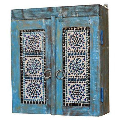 Badkamerkastje blauw met blauwe mozaiek deurtjes