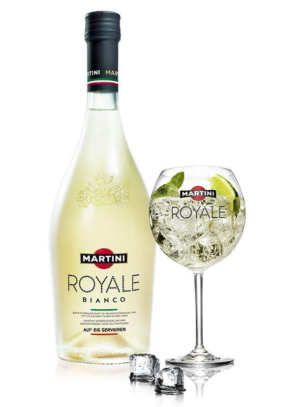 MARTINI ROYALE Bianco - Ingrédients: MARTINI ROYALE Bianco Sparkling Mix, Citron vert, Menthe poivrée - Préparation: Remplir de glace dans un verre à vin et presser une tranche de citron vert par-dessus. Compléter avec du MARTINI ROYALE Bianco Sparkling Mix et garnir de menthe poivrée.