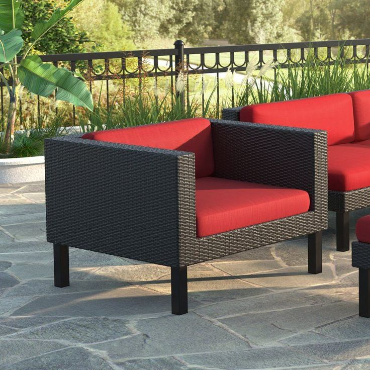 Outdoor CorLiving Oakland Wicker Patio Lounge Chair   PPO 851 C, SOX489