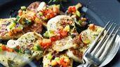 Stekt halloumi med grönsaker | Recept