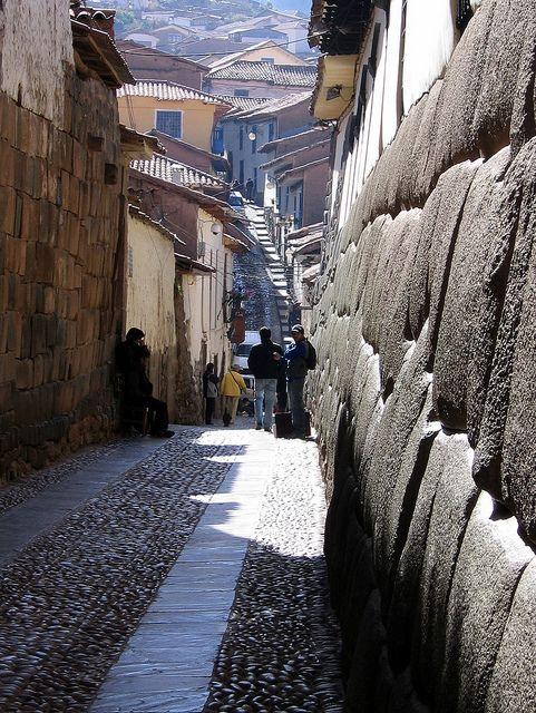San Blas, Cusco, Peru.....fijate en la piedra de la derecha