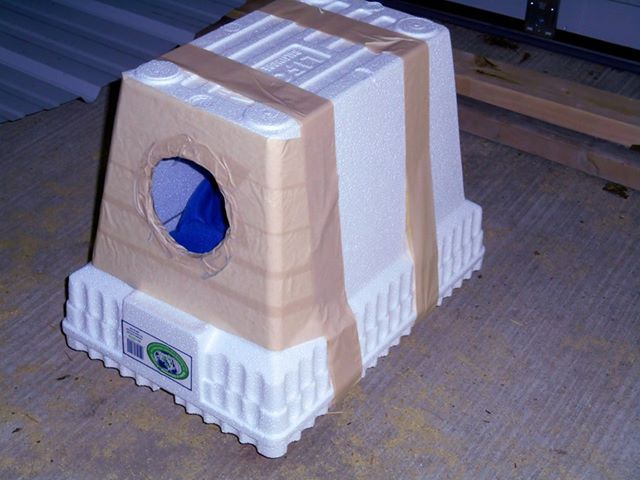 Cat House Made From A Cooler : Winter shelters for pets gt styrofoam coolers as