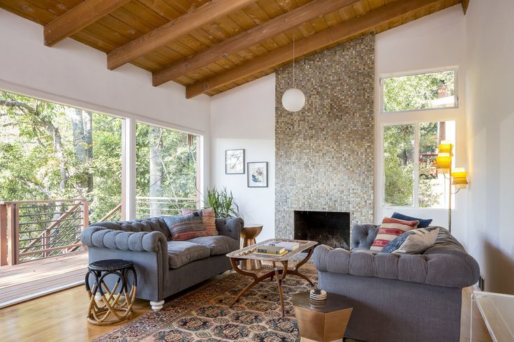 Many pictures. Inspiration. Perched among the treetops, this residence in the San Rafael Hills affords plenty of outdoor space for lounging and entertaining.