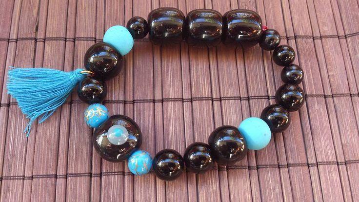 black and blue beaded bracelet
