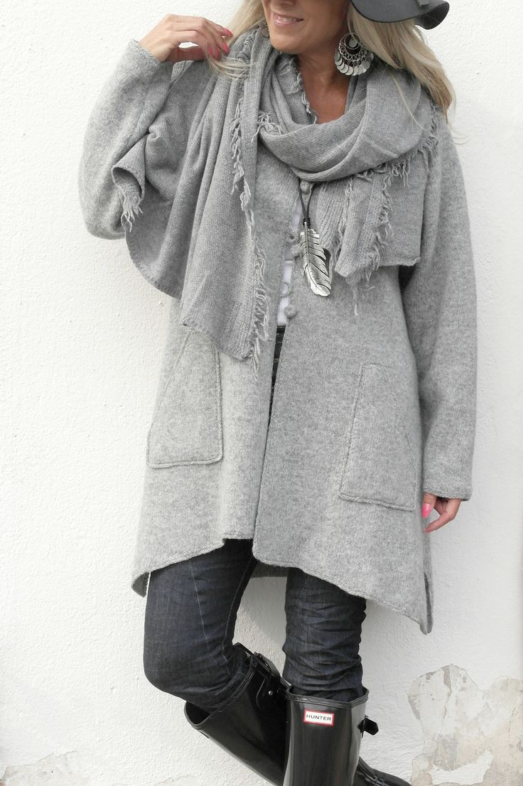 Not linen, but just as natural and beautiful! BYPIAS Knitted Wool Cardigan / @bypiaslifestyle www.bypias.com
