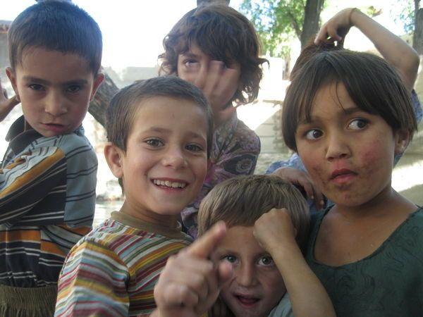Enfants Pakistanais, Karimabad