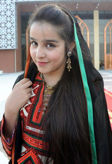 A Balochi girl in the typical cultural dress ( Image : Nai Baat Pakistan )