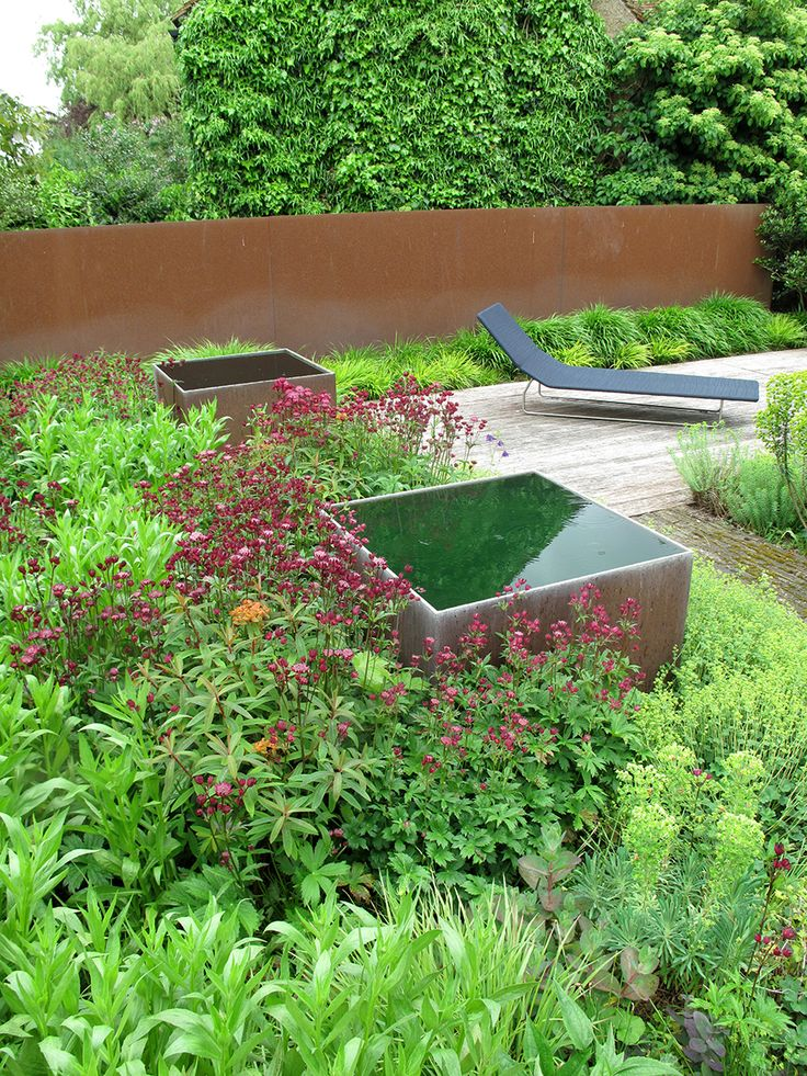 Tom Stuart-Smith, The Barn Garden #gardens #wearecultivate wearecultivate.wordpress.com