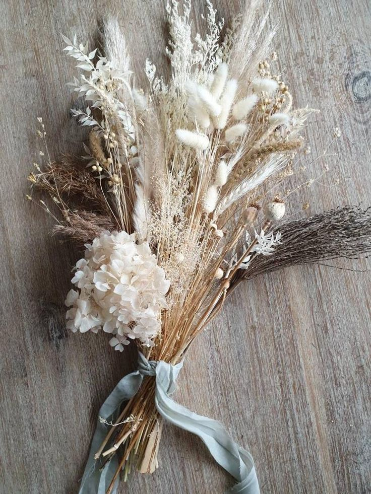 Dried White Flower Bouquet In 2020 Dried Flowers Wedding White Wedding Bouquets Dried Bouquet