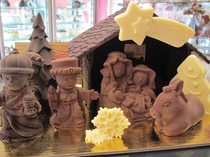 presepe in cioccolato realizzato con gli stampi decosil da Pasticceria Cioccolateria Roberta