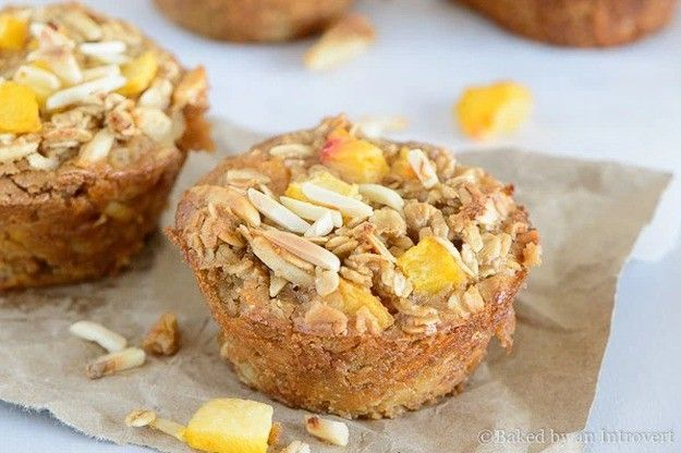 Baked Peach Almond Oatmeal Cups | 15 Oatmeal Cups To Stay Healthy During The Cold Months | https://homemaderecipes.com/oatmeal-cups/