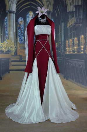 Medieval gown with interesting bodice                                                                                                                                                                                 Mais