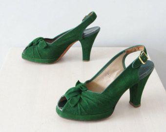 1940s green platform heels / vintage 40s peep toe slingback shoes / Good Fortune