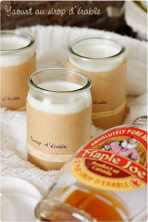 C'est très rare que j'achète du sirop d'érable, mais arrivée au rayon miel, je suis tombée dessus. Ça m'a donné l'idée de yaourts délicieusement parfumés.