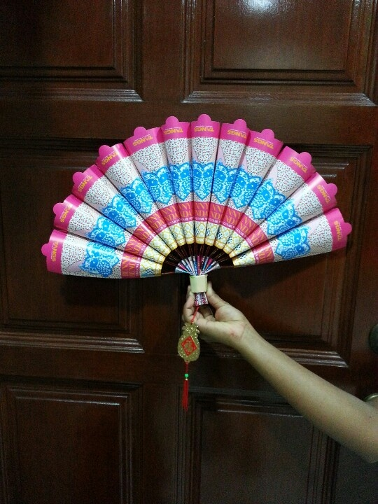 10 images about cny on pinterest coins fish for Ang pao decoration