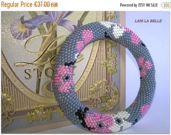Fall Sale CHERRY BLOSSOM  seed beaded crochet от LariLaBelle