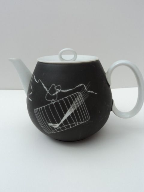 1955 Rosenthal Papageno teapot by Raymond Loewy