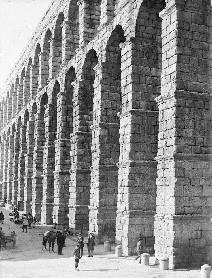 Fotografías ofrecidas por el IPCE (Instituto del Patrimonio Cultural de España), del Ministerio de Educación, Cultura y Deporte. El arc...