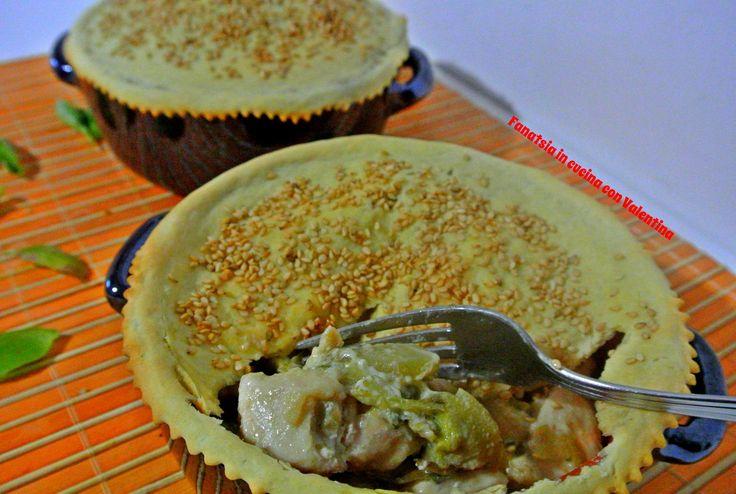 Pollo e carciofi in cocotte con pasta brisè