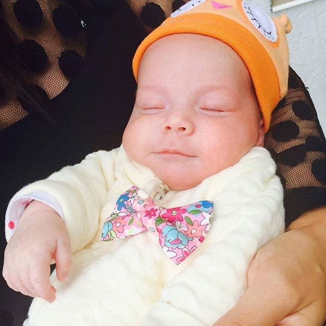 This is so adorable ! With her favorite colourful bow tie :X #bowsbyvaniaszasz #handmade