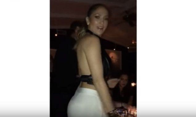 Jennifer Lopez Shows Her Flawless Bum While Dancing At a Nightclub