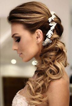 esküvői frizurák hosszú hajból - lófarok mint esküvői frizura