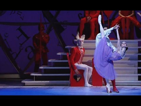 Heart of Knaves pas de deux from Alice in Wonderland at the Royal Ballet. By far my favorite pas de deux.