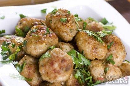 Receita de Almôndegas de frango ao curry em receitas de salgados, veja essa e outras receitas aqui!