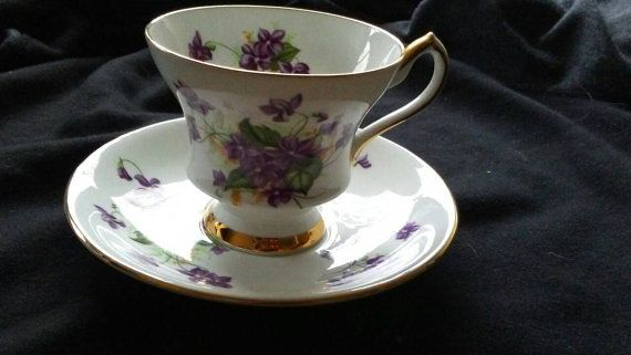 Check out this item in my Etsy shop https://www.etsy.com/ca/listing/398291883/antique-windsor-fine-bone-china-tea-cup