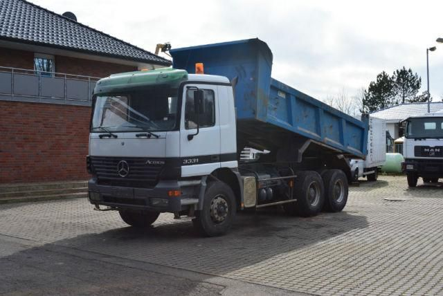 For sale Tilting Mercedes Benz 3331 Second Hand. Manufacture year: 2003. Weight: 33000 kg. Mileage: 173366 km. Leaf spring suspension.  Manual. Cruise. Euro 3. Excellent running condition. Ask us for price. Reference Number: AC615. Baurent Romania.