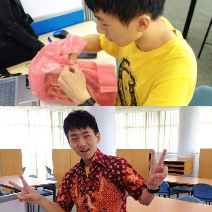 yao xin (my Chinese friend) in Indonesian batik