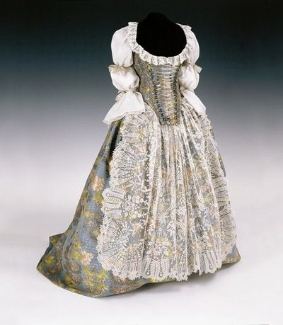 Bodice and skirt ca. 1750, Hungary From the Museum of Applied Arts