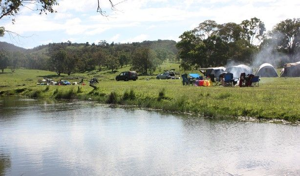Lots of space along the Bara creek, grab a net and go yabby fishing!