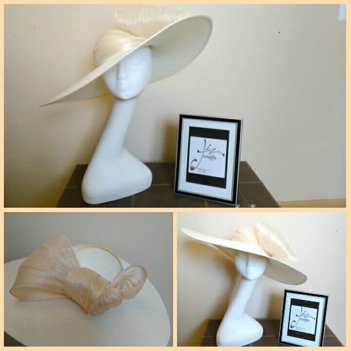 Un perfecto fondo de armario, ideal para cualquier estilo #tocados, #perfecta, #bodas, #invitadas