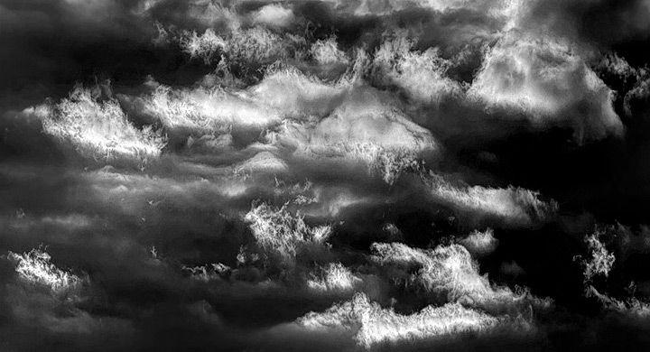 ¿Por qué las nubes se ponen negras cuando va a llover?