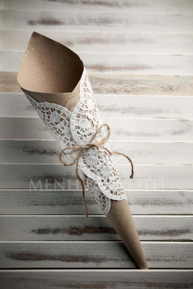 Eco paper cones with large paper lace doilies